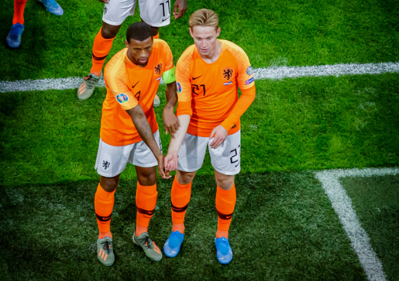 Racisme - hoort niet thuis in het voetbal - 1 minuut stilte
